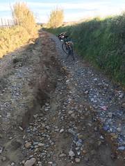 Chemin défoncé après les pluies (6franc6) Tags: occitanie languedoc gard 30 décembre 2018 6franc6 vélo kalkoff vae