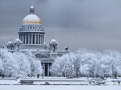 this photo from exhibition, I like it very much ( I didn't remember surname of author ) (VERUSHKA4) Tags: europe russia ville city cityscape saintpetersburg winter season wintertime tree cathedral isakcathedral architecture quai river neva people photography picture day snow neige neve vue view historic beautiful hccity gold dome ciel sky cloud cloudy column religion church kirchen