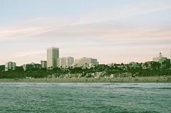Santa Monica Beach (awkward_annie) Tags: california beach beachphoto beautifulnature beachphotography minolta minoltaxg1 film 35mm 35mmfilm 35mmphoto 35mmphotography fujifilm fujifilmsuperia fujifilmsuperia400 superia400 xtrasuperia400 santamonica santamonicabeach santamonicapier