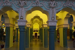 inside heritage hotel Churu (hatschiputh) Tags: churu india maljikakamara heritga column