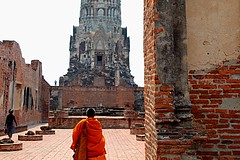 Monk (m.iop91) Tags: picture photo entrylevel 4000d eos canon world thailand ayutthaya buddhismo monk travel