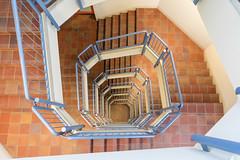 das auge des c [III] (dadiolli) Tags: trier trèves stairs treppen staircase treppe architecture universitättrier