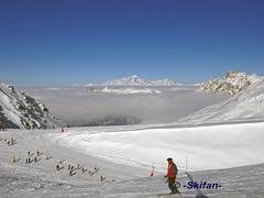 Mt de la Chambre: mer des nuages au dessus Méribel et Courchevel (-Skifan-) Tags: merdenuages mtdelachambre1 valthorens skifan 3vallées 3v