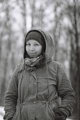 Anett (☁ ▅▒░☼‿☼░▒▅ ☁) Tags: minolta xd7 ilford xp2 400 blackwhite black white tamron sp 90mm portrait