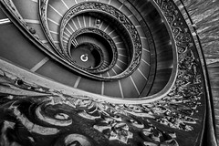 classic spiral (Blende1.8) Tags: spiral spiralstaircase wendeltreppe vatikan vatican vaticancity stairs stair curves wideangle architecture interior rome roma rom italy italia lines texture pattern muster details handlauf banister architektur interieur sigma sigma1224mmhsmii nikon d700 treppe vatikantreppe vatikanischemuseen museum