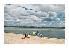 Barreiro, Portugal (Sr. Cordeiro) Tags: barreiro portugal margemsul rio tejo tagus river praia beach fluvial vista view lisboa lisbon nuvens nublado clouds cloudy surfista surfist surfboard pranchadesurf selfie panasonic lumix gx80 gx85 14140mm