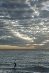 McCloud (*Nenuco) Tags: valència clouds padelsurf mar sea playa beach nubes d5300 nikon jesúsmr lasarenas 18105 nikkor
