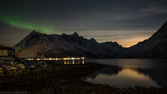 When the moon is competing against northern lights (katrin glaesmann) Tags: lofoten norwegen norway 2019 wwwicelandtoursnet longexposure nordland winter sea unterwegsmiticelandtours photographyholidaywithicelandtours mountains reflection northernlights auroraborealis polarlicht fullmoon
