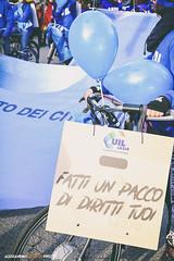 DSCF7189 (Alessandro Gaziano) Tags: alessandrogaziano foto fotografia roma italia italy visioni colori colors manifestazione people gente diritti 2019