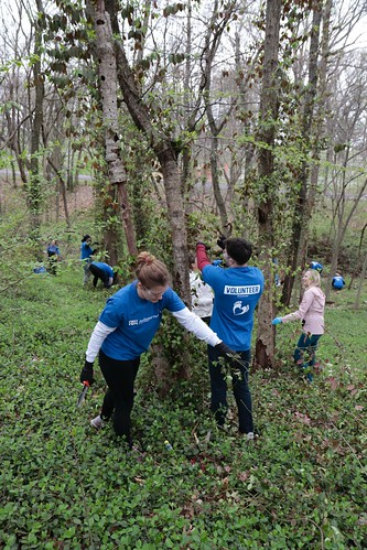 """Caleres helps to clean up Forest Park • <a style=""""font-size:0.8em;"""" href=""""http://www.flickr.com/photos/45709694@N06/33716929868/"""" target=""""_blank"""">View on Flickr</a>"""