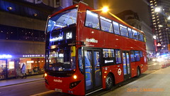 P1150033 VMH2552 LA68 DXS at Tottenham Court Road Station Tottenham Court Road London (LJ61 GXN (was LK60 HPJ)) Tags: metroline volvob5lhybrid mcvevoseti mcv evoseti 105m 10490mm vmh2552 la68dxs nb957
