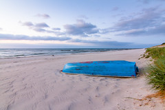 blue boat ([-ChristiaN-]) Tags: blue red boat boot ruderboot blaticsea sea beach sky strand relax