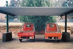 I gemelli (sirio174 (anche su Lomography)) Tags: ape car furgoncino trasporto como italia italy veicolo design gemelli gemini olympusxa2 lomographycn400