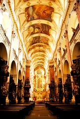 inside the basilica (Anselmo Portes) Tags: church basilica stjamesbasilica stjamesbasilica interior light luminosity luminosidade prague praga czechrepublic repúblicatcheca
