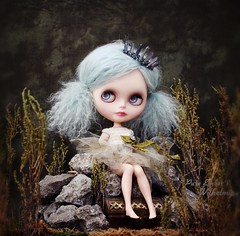 Throne 🐠 (pure_embers) Tags: pure embers blythe doll dolls custom olydolls oly pureemberswilhelmina wilhelmina neo uk laura england girl pretty pureembers photography takara portrait blue mohair underwater rock throne