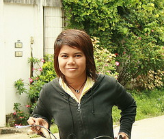 pretty girl on a bicycle (the foreign photographer - ฝรั่งถ่) Tags: pretty bicycle girl woman our street bangkhen bangkok thailand canon