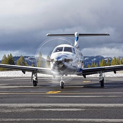 2014 Pilatus PC-12 N82NG c/n 1482 at Truckee Airport California 2019. (planepics43) Tags: pilatus pc12 pc1247e n82ng 1482 truckeeairport airport aviation aircraft airplane planes pilot planespotting plane 17crossfeed claytoneddy cockpit laketahoe landing livermoreairport airshow learjet gulfstream tower takeoff taxi glider