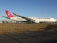 "TC-JNS, Airbus A330-303, c/n 1458, Turkish Airlines (Türk Hava Yollari), ""Hattuşaş"", CDG/LFPG 2019-02-15, taxiway Alpha-Loop. (alaindurandpatrick) Tags: cn1458 tcjns a330 a333 a330300 airbus airbusa330 airbusa330300 jetliners airliners tk thy turkish turkishairlines türkhavayollari airlines cdg lfpg parisroissycdg airports aviationphotography"