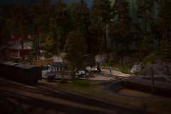 Löylymäki Station (pni) Tags: scale model miniature railway fictionalvillage 1950s figurine finnishtoymuseum hevosenkenkä suomenlelumuseo finlandsleksaksmuseum näyttelykeskus weegee utställningscentret exhibitioncentre espoo esbo finland suomi pekkanikrus skrubu pni