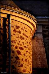 Ruaudin (Sarthe) (gondardphilippe) Tags: ruaudin sarthe maine paysdelaloire architecture bâtiment campagne colors couleurs church extérieur église eglise graphique monochrome mur outdoor ombre patrimoine quiet rural texture ruralité wall zen