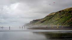 Karioitahi Beach (Stefan Marks) Tags: tasmansea beach bush cloud nature ocean outdoor paragliding rock sky sports wave waiuku northisland newzealand