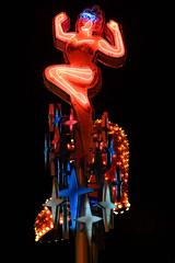DSC_2300-2 (Alex Cernichiari) Tags: lasvegas las vegas night nikon nikonz6 fremont fremontstreet neon nightphotography