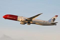 Boeing 787-9 Dreamliner LN-LNO Norwegian (Jarco Hage) Tags: schiphol amsterdam airport ams netherlands eham nederland byjarcohage aviation luchthaven airplane vliegveld vliegtuig vliegtuigen boeing 7879 dreamliner lnlno norwegian