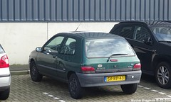 Renault Clio RL 1.2 1997 (XBXG) Tags: svrp43 renault clio rl 12 1997 renaultclio fokkerpark fokkerweg oude meer oudemeer schiphol nederland holland netherlands paysbas youngtimer old french car auto automobile voiture ancienne française france vehicle outdoor vert green