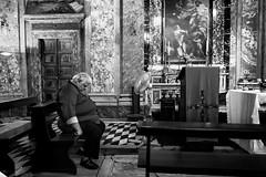 Rome, Italy 2017 (Lucio Frabotta) Tags: sleep leicaq bw persone people leica roma rome street streetphotography streetlife italia italy photography blancoynegro summilux biancoenero monochrome man blackandwhite noiretblanc monocromo monocrome mono