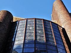HWW in de zon (wilma HW61) Tags: hww raam window venster fenster fenêtre fenêtres groningen sky windowwednesday perspective perspectief nederland niederlande netherlands nikond90 holland holanda paysbas paesibassi paísesbajos architecture architectuur architettura architektur europa europe wilmahw61 wilmawesterhoud outdoor gedemptezuiderdiep schaduw shadow shade dwwg