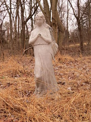 Praying Angel (Sunsades) Tags: lakeelkhorn columbia maryland sx50 canon statue angel praying