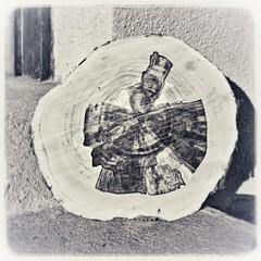 Schneidbrettl ? (heute?) Tags: heimat retro fotografie art bäume holz monoton struktur structure