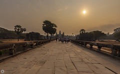 Sunset [KH] (ta92310) Tags: travel cambodge unesco cambodia khmer winter hiver 2019 history histoire architecture siemreap angkor wat temple sun sunset southeast asia sud est asie soleil