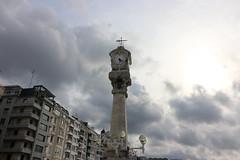 Setembre_0057 (Joanbrebo) Tags: donosti guipúzcoa sansebastián españa canoneos80d eosd efs1018mmf4556isstm autofocus rellotge reloj clock horloge nubes nuvols nuages clouds