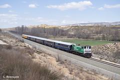 Tren Azul (ɢ. ʙᴇʀᴇɴɢᴜᴇʀ [ ō-]) Tags: azul azaft 310 310041 adif alsa teruel casetas ciwl train paisaje ffcc railway railroad cielo árbol locomotora histórico