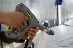 IMG_1327 (Blongman) Tags: auto car vl japan bmw toyota x6m carwash wash water russia 7d