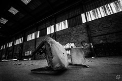 Chaise Vide (PaaulDvD) Tags: tours urbex pauline femme