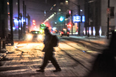 (A Great Capture) Tags: night darkness nocturnal dark illuminate lighting snow neige schnee streetphotography streetscape photography streetphoto street calle outdoor outdoors outside cityscape urbanscape eos digital dslr lens canon city downtown lights urban nighttime cold weather agreatcapture agc wwwagreatcapturecom adjm ash2276 ashleylduffus ald mobilejay jamesmitchell toronto on ontario canada canadian photographer northamerica torontoexplore winter l'hiver 2017 car headlights person people crossing snowing snowy
