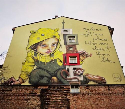 #howisyourhome ? #streetart by #Herakut. . #muralart #urbanart #graffitiart #streetartberlin #graffitiberlin #streetartlovers #graffitiart_daily #streetarteverywhere #streetart_daily #ilovestreetart #igersstreetart #rsa_graffiti #StreetArtCities #thisismy
