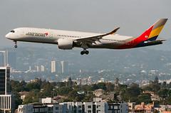 Asiana Airbus A350 lands at LAX (beltz6) Tags: lax klax losangelesinternationalairport avgeek airplane aircraft aviation landing spotlax spotlax18 spotlax2018 hl7578 asiana airbus airbusa350 asianaairlines korea