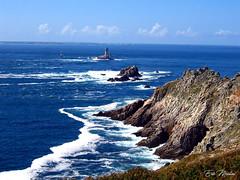 La Pointe du Raz (litang13) Tags: mer sea bleu vagues bretagne pointe phare raz france paysage landscape océan blue sky ciel