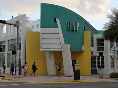 South Beach | GAP (Toni Kaarttinen) Tags: usa unitedstates florida wpb america miami miamidade southbeach artdeco architecture gap