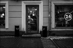 17drb0341 (dmitryzhkov) Tags: urban outdoor life human social public stranger photojournalism candid street dmitryryzhkov moscow russia streetphotography people bw blackandwhite monochrome