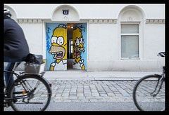 Homer Graffiti (Manfred A. Pichler) Tags: homer simpson street olympus