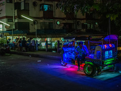 Waiting for riders (Thanathip Moolvong) Tags: waiting transport public night bangkok evening different thai easy relax