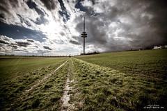 BS Fernmeldeturm (Viewfreeze) Tags: broitzem fernsehturm fernmeledeturm braunschweig wolken wetter sturm wind wolkenbruch telekom himmel regen
