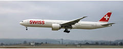 Swiss HB - JNF (Stefan Wirtz) Tags: hbjnf zrh lszh swiss swissboeing swissairline swissboeingb777 swissboeingb7773de boeing boeingb777 boeingb7773deer kloten zürich zürichairport zürichflughafen zurich kantonzürich airportzürich aeroportzurich flughafenzürich flughafen flugzeug landeanflug runway runway14 passagiermaschine passagierjet jet jetplane plane airplane aeroplane widebody suisse switzerland schweiz