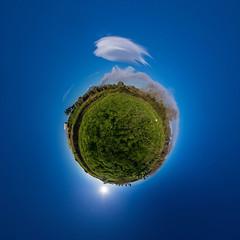 Mt. Erna eruption 2018-12-24 (HamburgerJung) Tags: sizilien sicily sicilia catania ätna etna vulkan vulcano eruption panorama pentax da1017 hugin freihand freehand lenticularis planet littleplanet stereographic