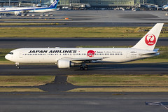 Japan Airlines | JA614J (TommyYeung) Tags: japanairlines jal 日本航空 にほんこうくう japanair jl 日航 にっこう boeing boeingcommercialairplanes boeing767300 boeing767 b767 767 767300er b763 boeing767346er extendedrange 767346er aircraft airplane airliner air airline airliners airlines airtransport airside airframe plane planespotting planephoto planes aeroplane aviation jet jetairliner fly flymachine 日本の翼 ja614j airport tokyo haneda hanedaairport hnd 東京國際機場 羽田空港 rjtt 東京国際空港 tokyointernationalairport widebodyjetairliner widebodyjet widebody transport transportphotography transportspotting transportation generalelectric cf680c2 geaviation ge geaviationcf680c2 flight taxiway taxiing canonphotography canon canoneos5d4 photography photo