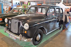 Austin Taxi (benoits15) Tags: austin taxi uk british car nimes auto retro